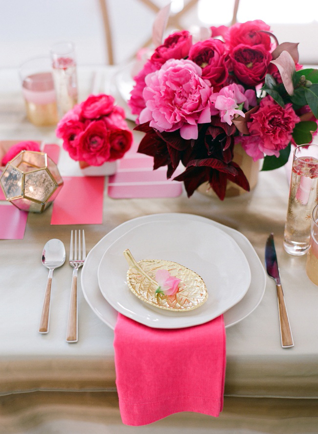 pinkfloraltablescape