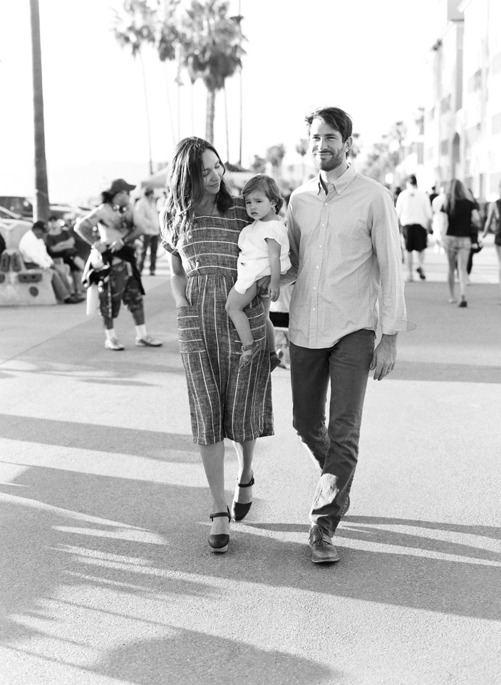 13-venice-beach-family-session-13