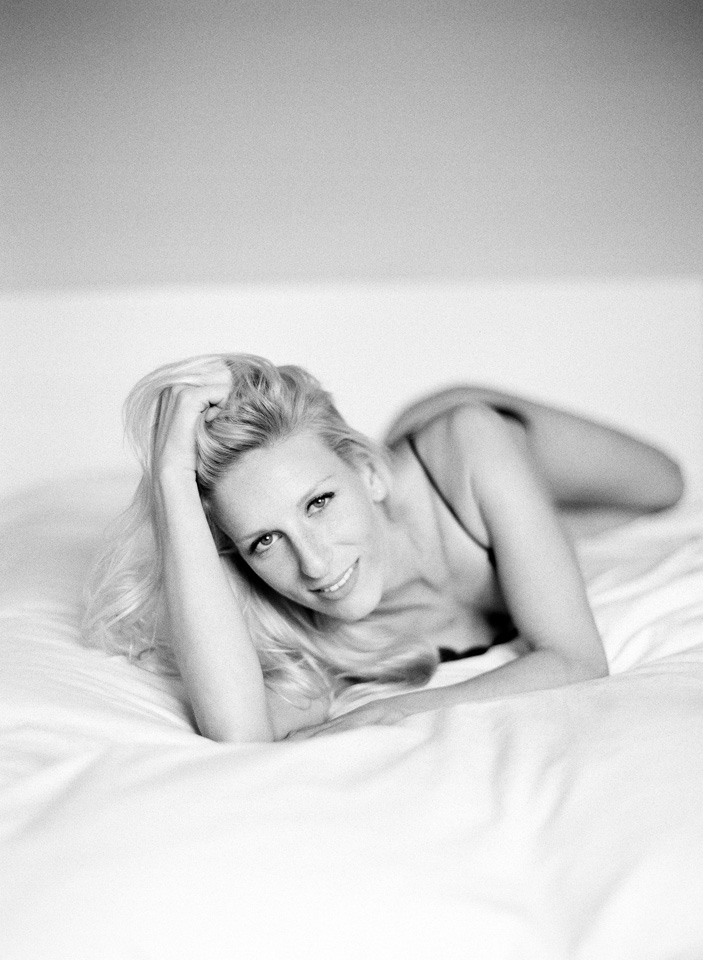 8-boudoir-film-photography-8